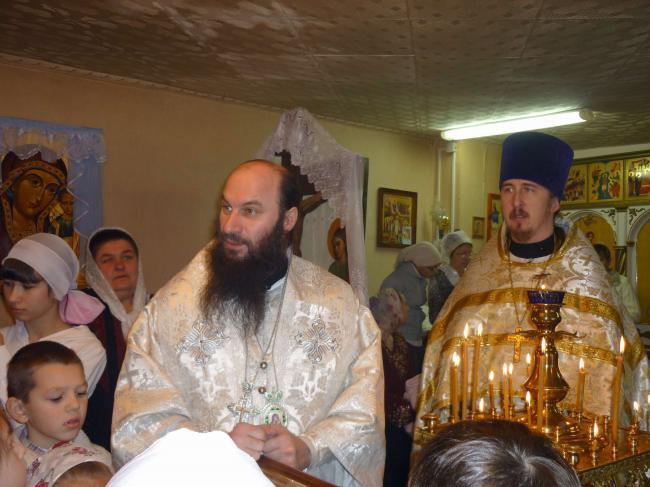 Епископ Орский и Гайский Ириней совершил праздничные богослужения в храме с.Кваркено