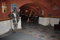 Пивной ресторан с интерьером средневековья