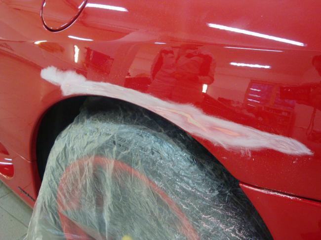 Локальный кузаовной ремонт Ferrari по технологии ChipsAway